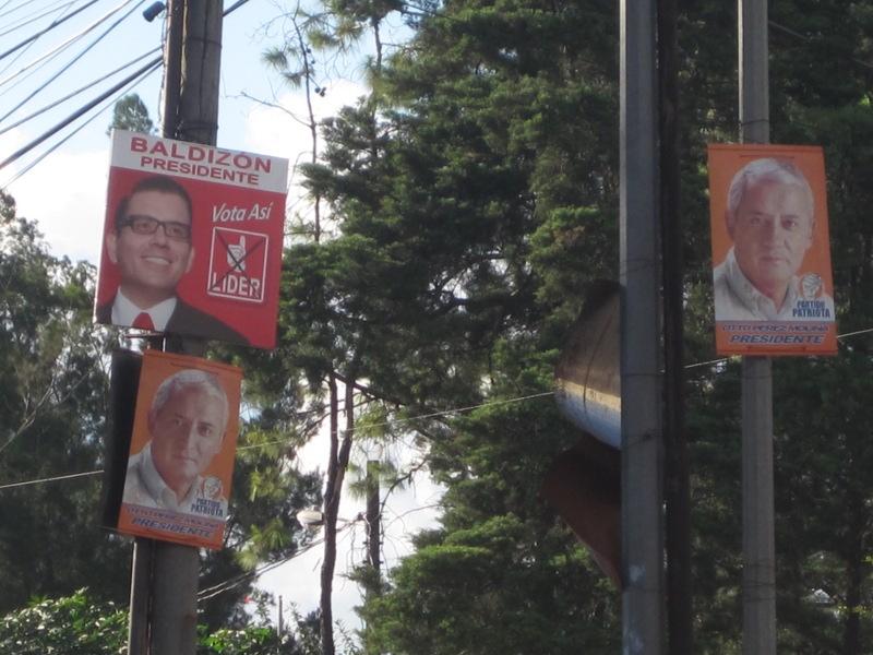 Frauke Decoodt. 2011. Verkiezingspropaganda in de straten van Guatemala Stad