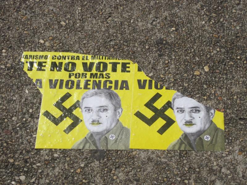flyer tegen Otto Perez Molina, Guatemala Stad, 20-10-2011. Frauke Decoodt