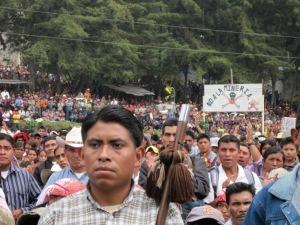 Pueblos orginarios de todo Guatemala bajaron a San Juan Sacatepéquez para extresar su protesta contra mega-proyectos, como la mineria, en sus territorios.