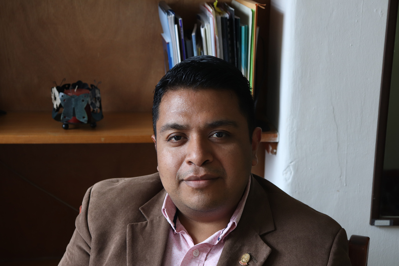 © Frauke Decoodt. Abogado Esteban Celada, de Mujeres Transformando el Mundo. Guatemala 2020